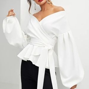 They're in!! 🎀 Balloon Sleeve Wrap Blouse